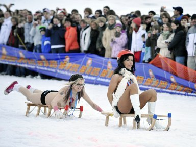 GERMANY-NUDE-SLEDGE-OFFBEAT